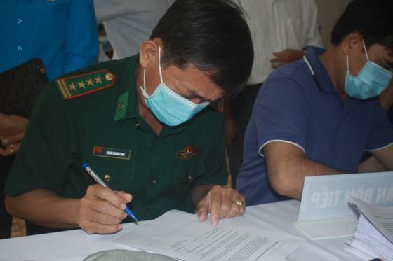 50 người đầu tiên tiêm vaccine Covid-19 ở Quảng Ngãi ảnh 5