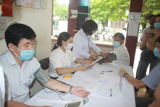 50 người đầu tiên tiêm vaccine Covid-19 ở Quảng Ngãi ảnh 3