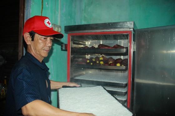 Nấu cơm và hỗ trợ thực phẩm cho người dân yên tâm cách ly phòng chống Covid-19 ảnh 6