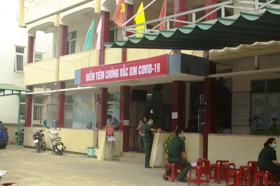 Quảng Ngãi tổ chức tiêm vaccine phòng Covid-19 đợt 2  ảnh 1