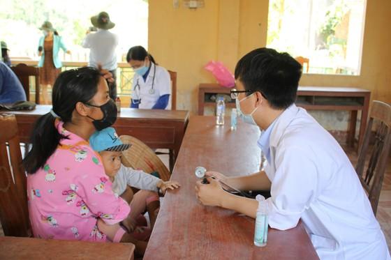 Tỷ lệ suy dinh dưỡng ở trẻ em vùng núi Quảng Ngãi ở mức rất cao  ảnh 1