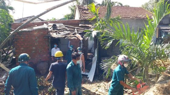 Các địa phương khắc phục hậu quả của bão số 6 ảnh 12