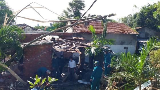 Các địa phương khắc phục hậu quả của bão số 6 ảnh 13