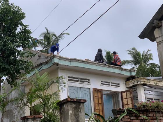 Các địa phương khắc phục hậu quả của bão số 6 ảnh 10