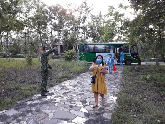 Sóc Trăng, Quảng Ngãi đón người dân từ TPHCM về quê ảnh 8