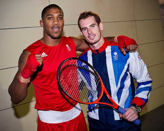 Andy Murray và  Anthony Joshua