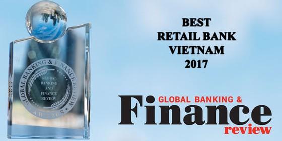 """VietinBank tiếp tục đạt giải thưởng """"Ngân hàng bán lẻ tốt nhất Việt Nam"""" ảnh 1"""