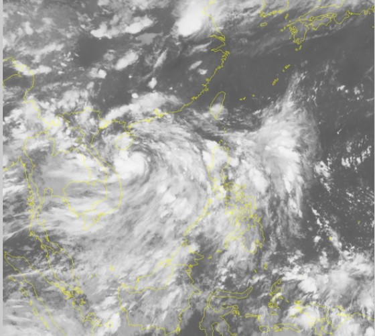 Các tỉnh từ Quảng Ninh đến Quảng Ngãi khẩn trương ứng phó với bão số 2  ảnh 1