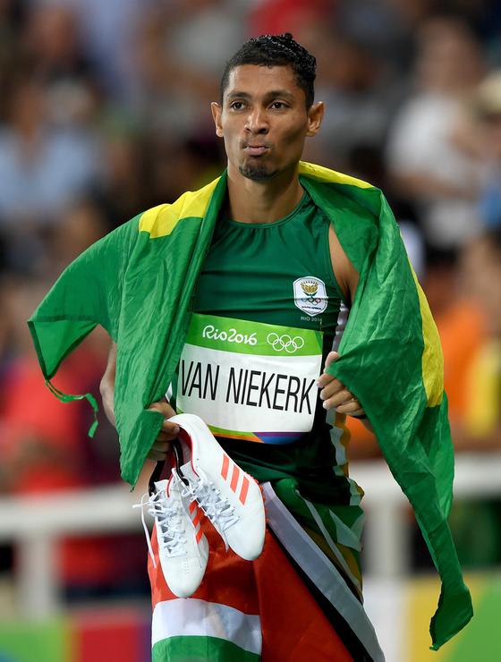 """Giải điền kinh VĐTG London 2017:  Van Niekerk - người """"kế vị"""" Usain Bolt ảnh 1"""