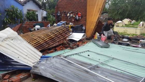 Thành ủy TPHCM ủng hộ Khánh Hòa 2 tỷ đồng khắc phục bão số 12 ảnh 2