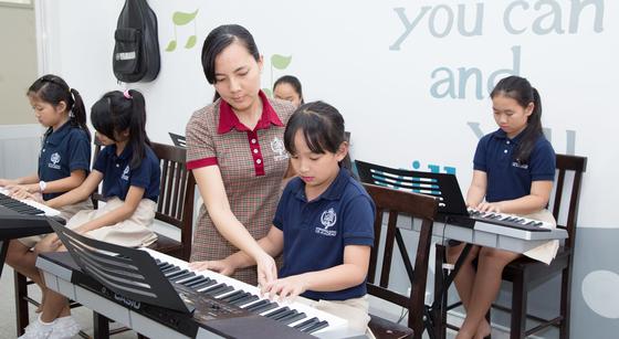 NHG hợp tác với LCM và Việt Thương triển khai chương trình đào tạo âm nhạc theo tiêu chuẩn quốc tế ảnh 2