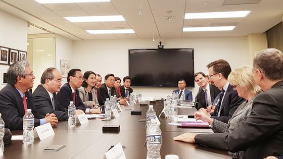 Bí thư Thành ủy TPHCM Nguyễn Thiện Nhân gặp gỡ các nhà đầu tư Hoa Kỳ ảnh 2