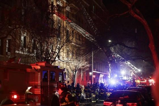 Cháy chung cư ở New York làm 12 người chết ảnh 1