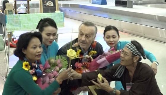 """Nhiều đoàn khách quốc tế """"xông đất"""" du lịch Việt Nam ngày đầu năm 2018 ảnh 3"""
