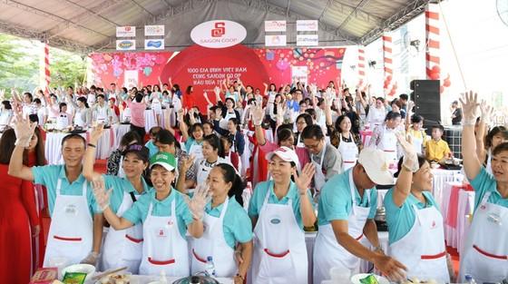 Hàng ngàn gia đình cùng kéo đến siêu thị Co.opmart để nấu ăn ảnh 4