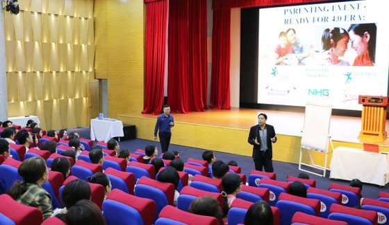 Triệu phú Singapore Adam Khoo tiếp lửa cho sinh viên Việt Nam ảnh 1