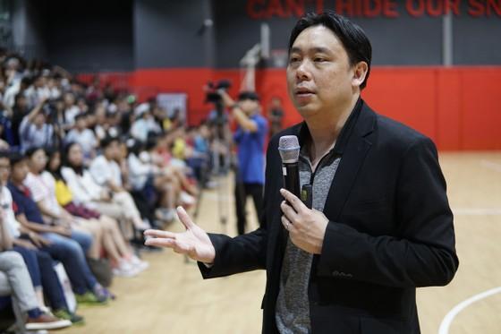 Triệu phú Singapore Adam Khoo tiếp lửa cho sinh viên Việt Nam ảnh 5