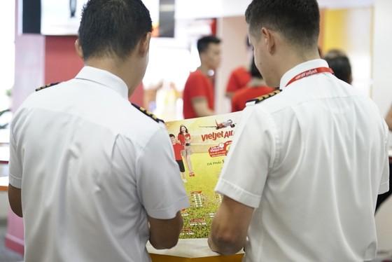 Hành khách hào hứng với lịch thi đấu World Cup 2018 của Vietjet ảnh 15