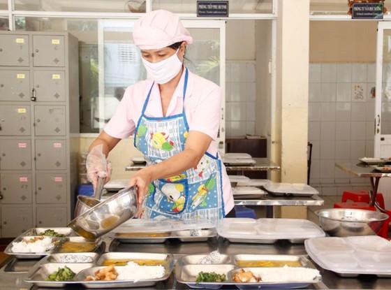 Triển khai xây dựng thực đơn cân bằng dinh dưỡng cho các trường tiểu học ở Quảng Ngãi ảnh 2