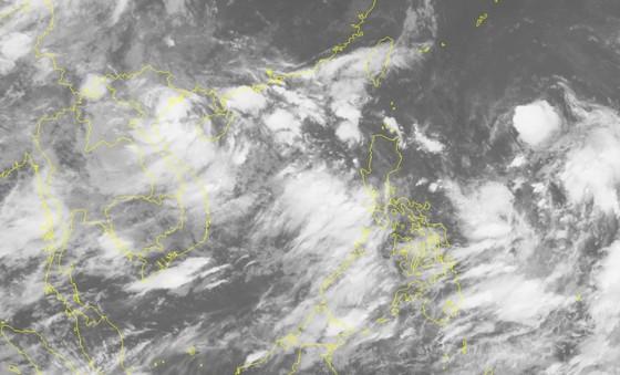 Áp thấp nhiệt đới, mưa lớn khắp cả nước ảnh 1