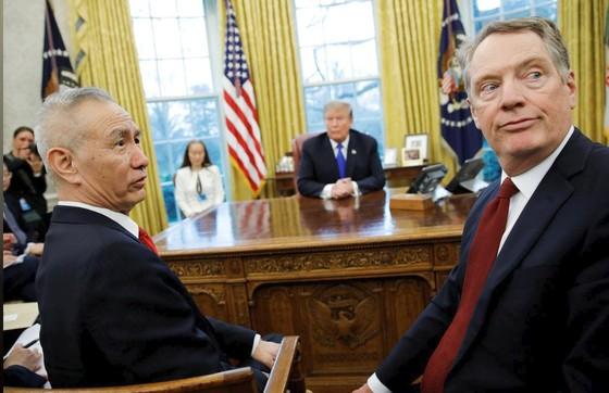 Tổng thống Mỹ tuyên bố hoãn tăng thuế đối với hàng hóa Trung Quốc ảnh 1