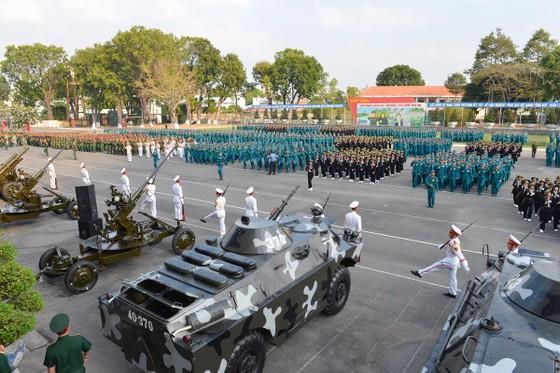 Bí thư Thành ủy TPHCM Nguyễn Thiện Nhân: Xây dựng TPHCM thành khu vực phòng thủ vững chắc ảnh 2