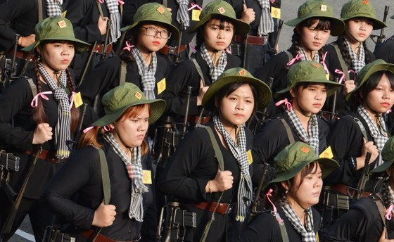 Bí thư Thành ủy TPHCM Nguyễn Thiện Nhân: Xây dựng TPHCM thành khu vực phòng thủ vững chắc ảnh 6
