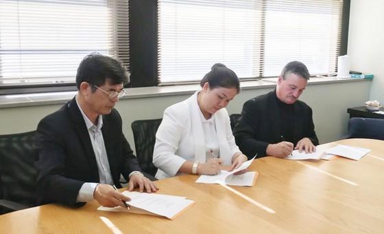 Tập đoàn giáo dục Nguyễn Hoàng trao hơn 1.000 suất học bổng quốc tế cho học sinh, sinh viên  ảnh 6