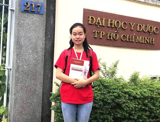 Cô gái Khmer vào giảng đường y khoa ảnh 1
