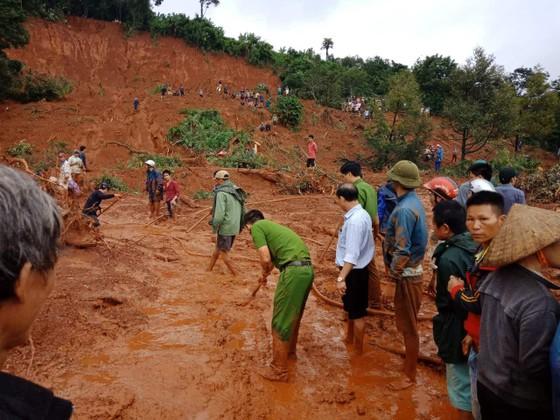 Sạt lở đất ở Đắk Nông, 3 người trong một gia đình bị chôn vùi ảnh 2