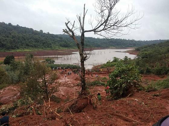 Sạt lở đất ở Đắk Nông, 3 người trong một gia đình bị chôn vùi ảnh 5