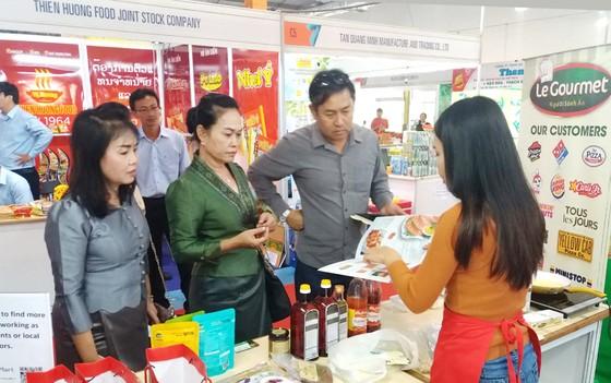 Hàng Việt vào thị trường Lào ảnh 1
