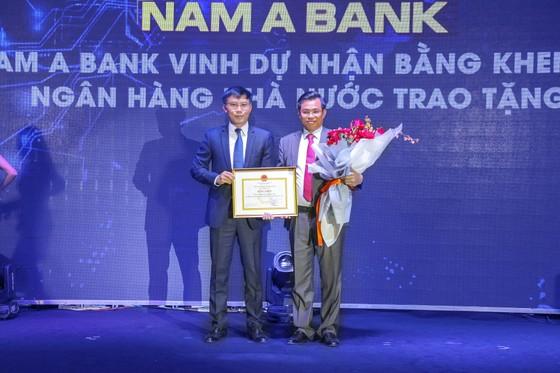 Nam A Bank nhận bằng khen của Thống đốc Ngân hàng Nhà nước Việt Nam ảnh 1
