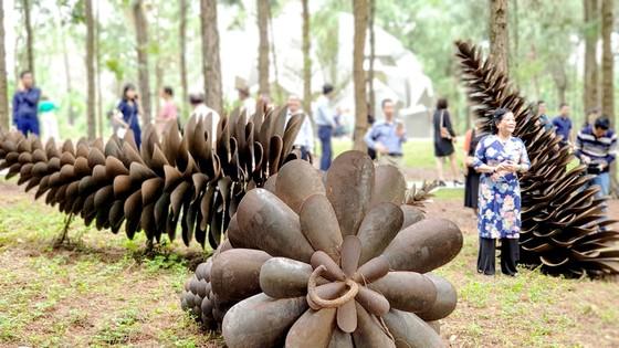 Không gian nghệ thuật trong rừng - Cơ hội của ngành điêu khắc  ảnh 1