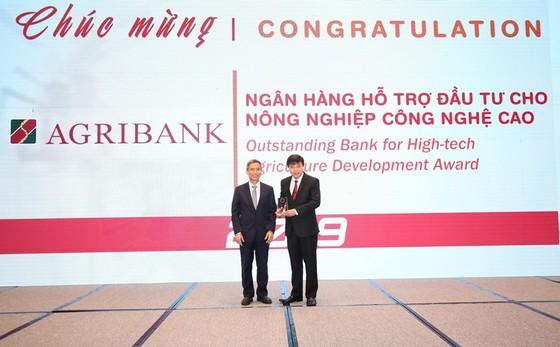 Agribank được vinh danh 2 giải thưởng Ngân hàng Việt Nam tiêu biểu 2019 ảnh 1