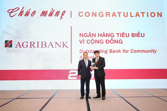 Agribank được vinh danh 2 giải thưởng Ngân hàng Việt Nam tiêu biểu 2019 ảnh 2