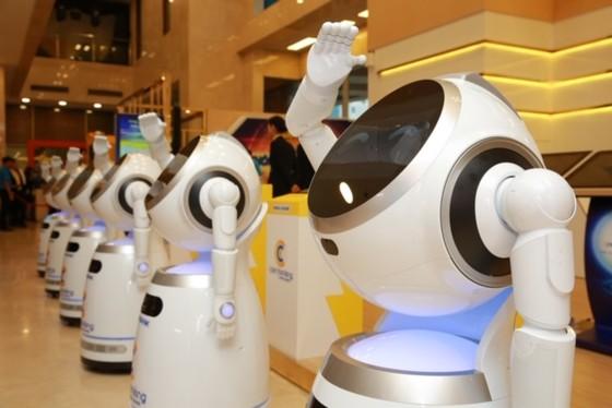 Robot có thay thế nhân sự ngân hàng? ảnh 2