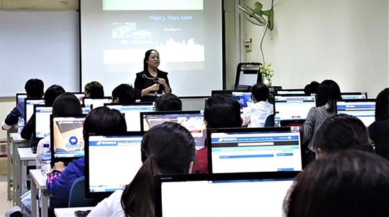 Đào tạo đại học trực tuyến, cấp bằng từ xa ảnh 1