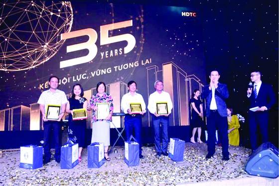 Công ty Cổ phần Phát triển và Kinh doanh nhà (HDTC) kỷ niệm 35 năm thành lập ảnh 3
