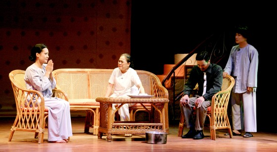 Sân khấu kịch Hoàng Thái Thanh: Một thập niên yêu thương ảnh 1