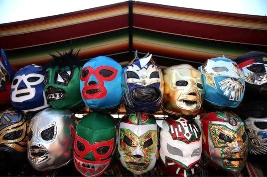 Mặt nạ đấu vật truyền thống của Mexico lên ngôi ảnh 1