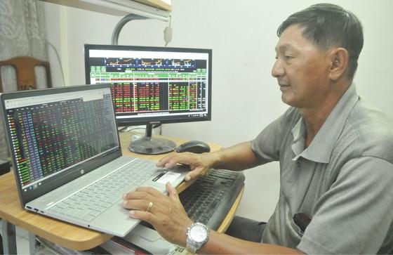Thị trường chứng khoán tăng trưởng nhờ vốn nội ảnh 1