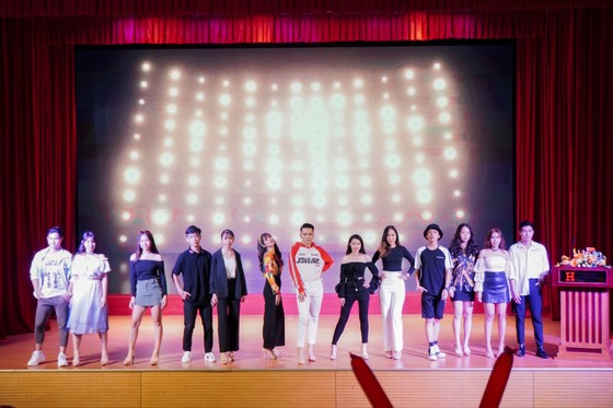Đại học Quốc tế Hồng Bàng trao học bổng tài năng cho 'Siêu trí tuệ Việt' ảnh 3