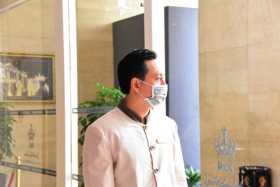 Khách sạn Rex Sài Gòn tiếp tục duy trì, tăng cường và kiểm soát chặt chẽ các biện pháp phòng chống trong mùa dịch  ảnh 3