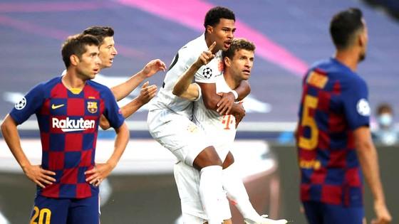 Đêm ác mộng với Barcelona ảnh 1