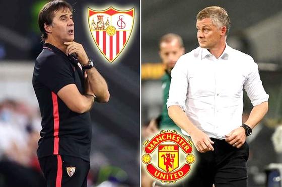 Sevilla của HLV Lopetegui (trái)  được đánh giá cao hơn trong cuộc đối đầu với Man.United