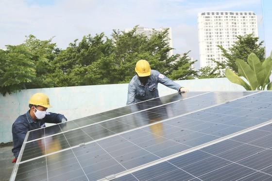 TPHCM sẽ tiêu thụ hết công suất điện mặt trời mái nhà ảnh 1