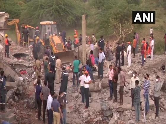 Nổ lớn tại kho chứa hóa chất ở Ấn Độ, ít nhất 12 người thiệt mạng ảnh 1