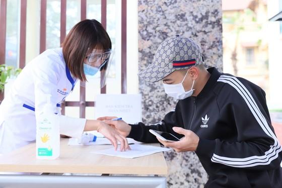 VNVC tiếp nhận đăng ký vaccine Covid-19 đầu tiên tại Việt Nam ảnh 3