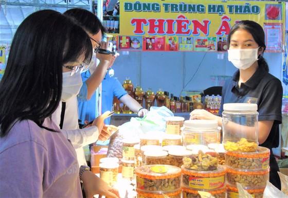 Hội chợ vui xuân đón Tết Tân Sửu 2021 tại Phú Mỹ Hưng ảnh 2